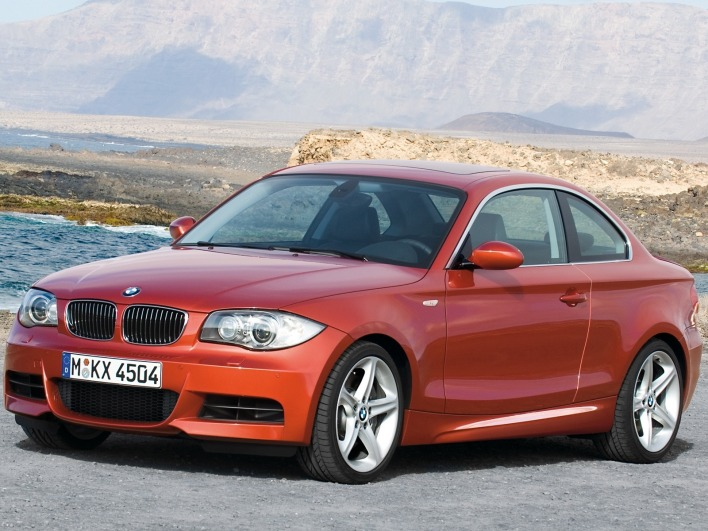 Bmw 135i coupe front left