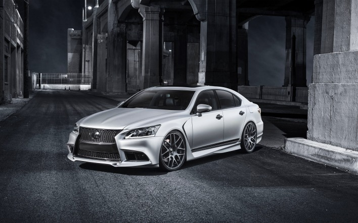 белый автомобиль Lexus LS F Sport Five Axis white car