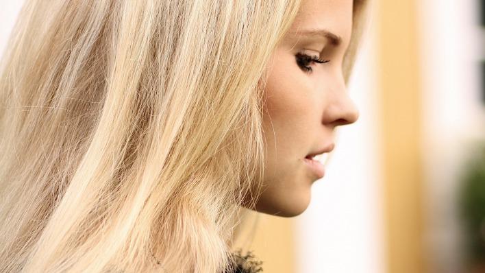 Long hair fringe brunette sex