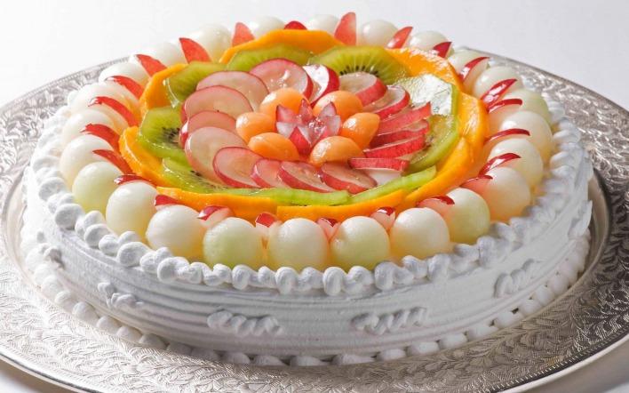 Оформление тортов фруктами с фотографиями
