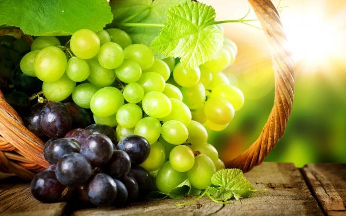 Картинка виноград в корзине