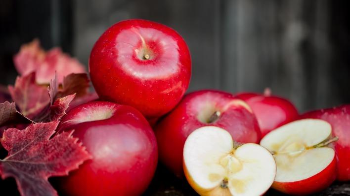 яблоки фрукты листья