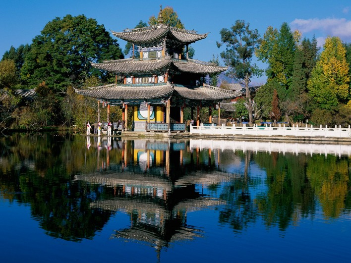 Deyue Pavilion, Black Dragon Pool Park, Lijiang, Yunnan Province, China