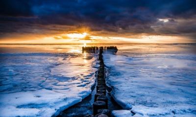 море лед закат пейзаж